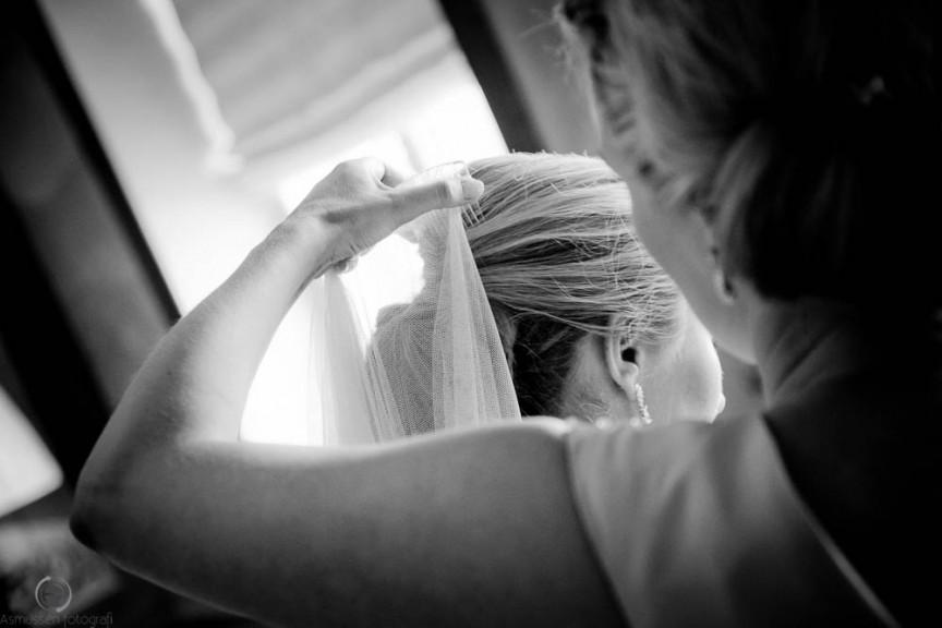 Røde Kro bryllup med vielse i Rise kirke