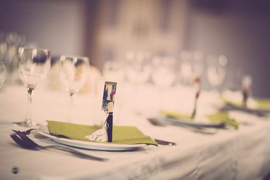 Køb bordkort for bryllupsgæsterne til jeres reception